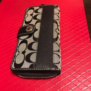 COACH Signature Wallet for Women